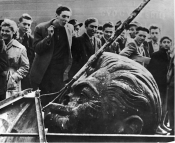 Hungarian Uprising, 1956, Budapest, Stalin statue toppled